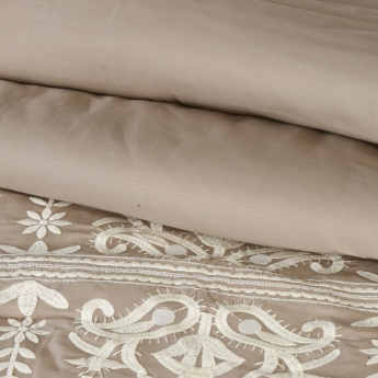 Valencia Embroidered 5-Piece Comforter Set - 240x200 cms
