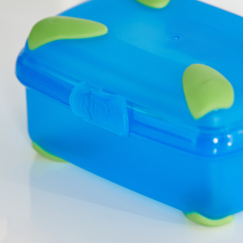 Lunchbox with Clip Closure