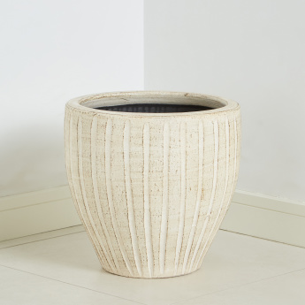 Muztag Textured Planter