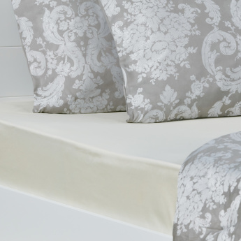 Eternity Luxe Full Fitted Sheet - 120x200 cms