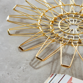 Braintree Polyplast Gold Finished Trivet
